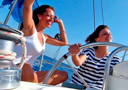 Divertirse en un Viaje para Navegar en Velero