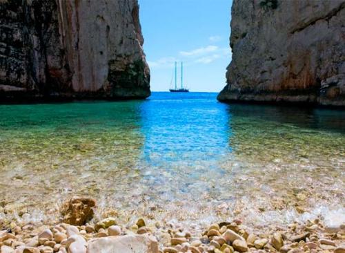Cala de Stinina Navegar en Croacia islas de Split