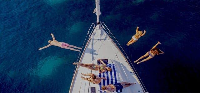 Baño de Mar en un Viaje de Vacaciones en velero a Croacia - Islas de Split