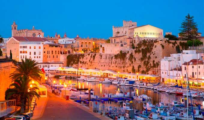Viaje de vacaciones en velero a Menorca - Ciudadela