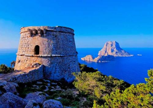 Es Vedra para navegar en Ibiza y Formentera
