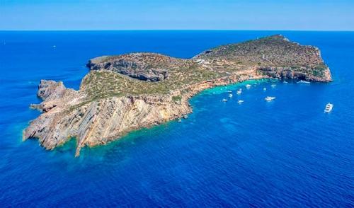 Tagomago para navegar en Ibiza y Formentera