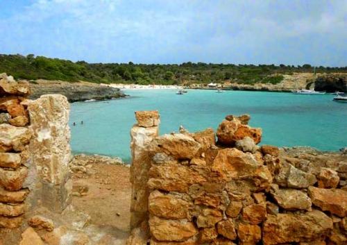 Cala Varques para Viaje de Vacaciones en Velero a Mallorca