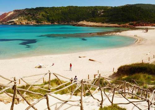 Playa de Algaiarens en Menorca