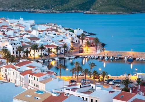 Puerto de Fornells para Viaje de Vacaciones en Velero a Menorca