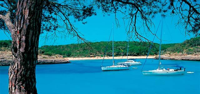 Viaje de vacaciones en velero a Menorca - Macarella