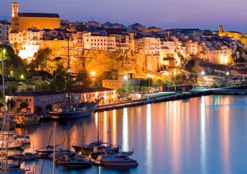 Puerto de Mahon para Viaje de Vacaciones en Velero a Menorca