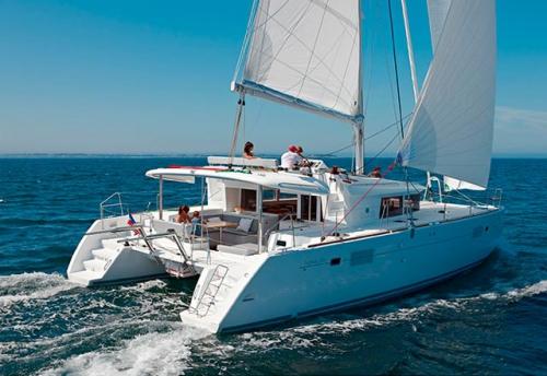 En Navegación el Alquiler de Catamarán Lagoon 450 en Grecia