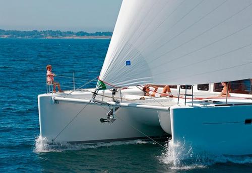 Navegación de Proa del Alquiler de Catamarán Lagoon 450 en Ibiza