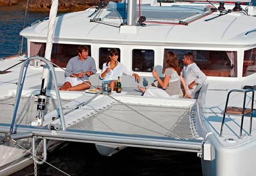 Proa del Alquiler de Catamarán Lagoon 450 en Ibiza