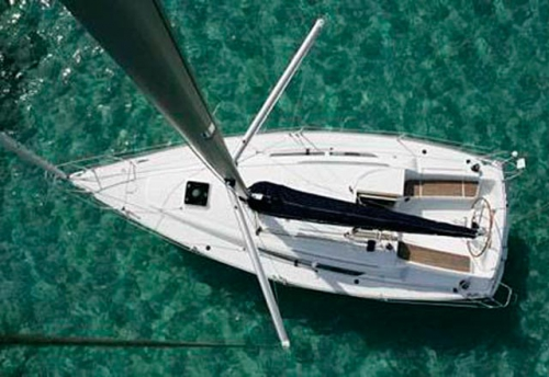Cubierta del Alquiler de Velero Sun Odyssey 32i en Ibiza