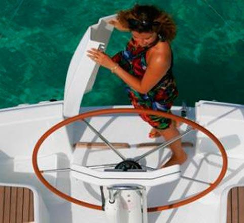 Popa del Alquiler de Velero Sun Odyssey 32i en Ibiza