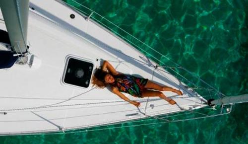 Proa del Alquiler de Velero Sun Odyssey 32i en Ibiza