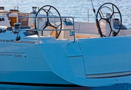 Popa del del Alquiler de Velero Sun Odyssey 509 en Ibiza