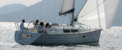 Navegando en el Alquiler de Velero Sun Odyssey 32i en Ibiza