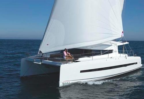 Proa del Alquiler de Catamarán Bali 43 en Mallorca