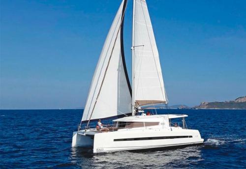 Través del Alquiler de Catamarán Bali 45 en Mallorca