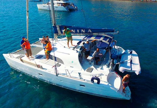 Familia en el Alquiler de Catamaran Lagoon 380 en Grecia