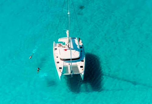 Fondeado el Alquiler de Catamaran Lagoon 39 en Mallorca