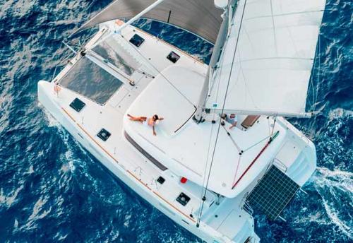 Navegando el Alquiler de Catamaran Lagoon 39 en Mallorca