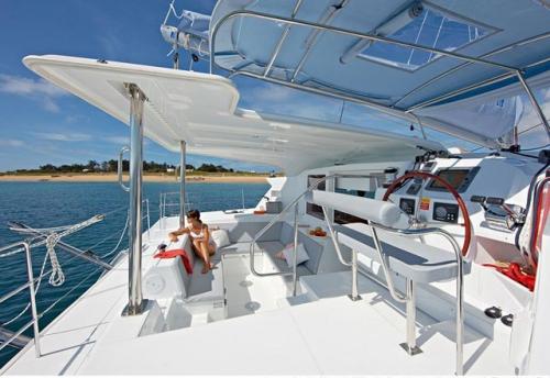 Bañera del Alquiler de Catamarán Lagoon 421 en Ibiza