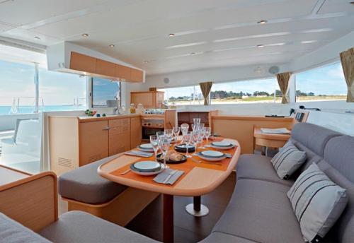 Salón del Alquiler de Catamarán Lagoon 421 en Ibiza