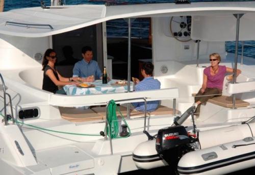 Vacaciones en el Alquiler de Catamaran Lipari 41 en Menorca
