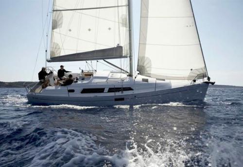 Través del Alquiler de Velero Hanse 350 en Menorca