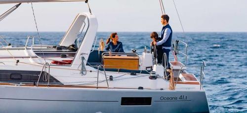 Vacaciones en un Alquiler de Velero Oceanis 41.1 en Menorca