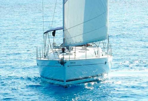 Proa del Alquiler de Velero S.O. 40.3 en Menorca