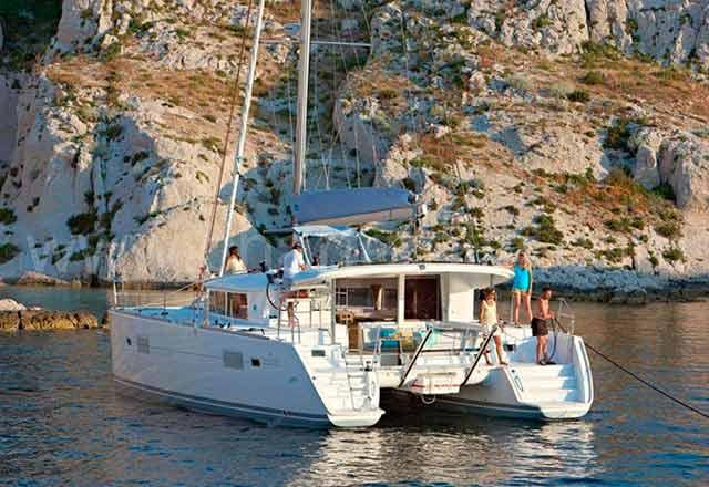 Alquiler de Catamaran Lagoon 400 en Menorca