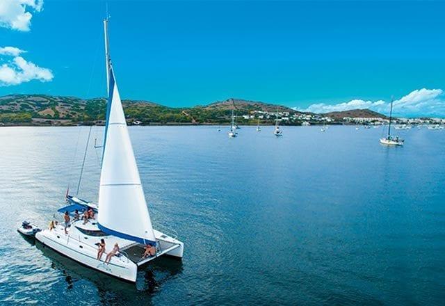 Principal Alquiler de Catamarán en Menorca