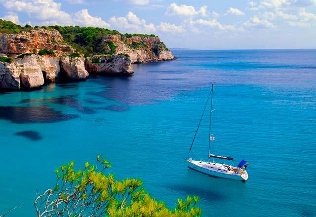 Principal de Alquiler de Velero en Menorca