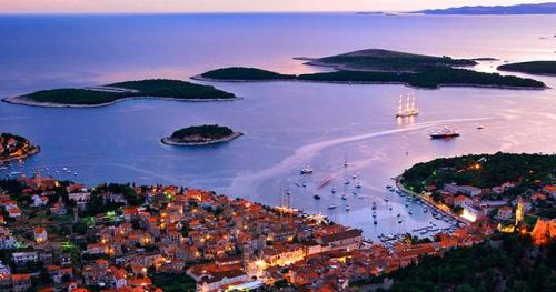 Viaje de Vacaciones en Velero a Croacia a la Isla de Hvar