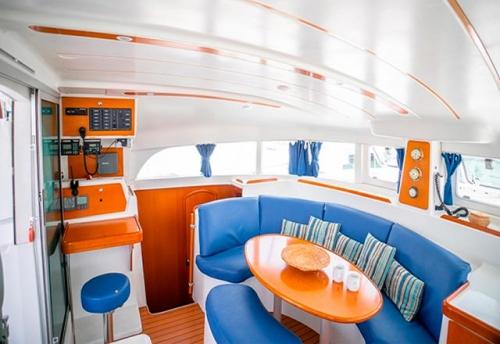 Salón del Alquiler de Catamaran Lagoon 38 en Denia