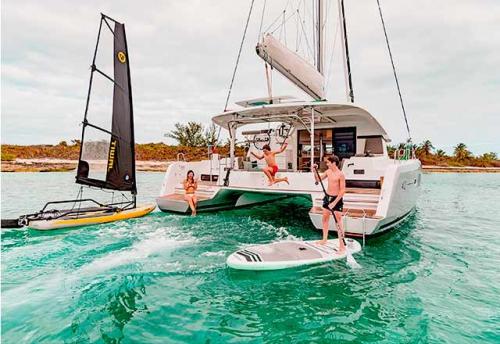 En Familia con el Alquiler de Catamaran Lagoon 42 en Grecia