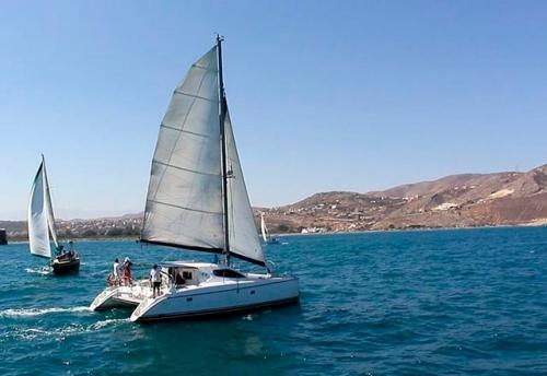 Navegando en el Alquiler de Catamaran Nautitech 395 en Denia
