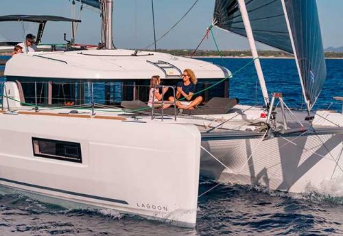Proa del Alquiler de Catamarán Lagoon 40 en Grecia