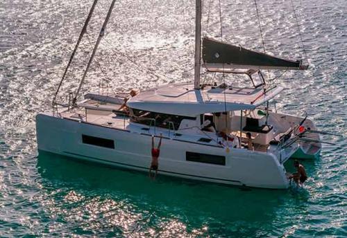 Vacaciones en el Alquiler de Catamarán Lagoon 40 en Grecia