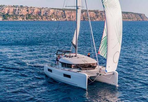 Verano en el Alquiler de Catamarán Lagoon 40 en Grecia