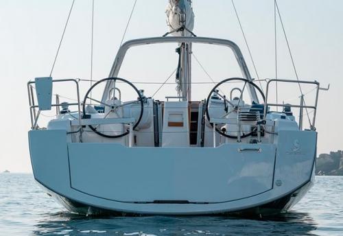 Popa del Alquiler de Velero Oceanis 38 en Sicilia