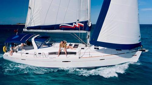 Navegando del Alquiler de Velero Oceanis 50.5