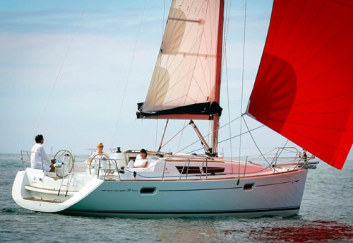 Navegando del Alquiler de Velero SO 39i en Denia