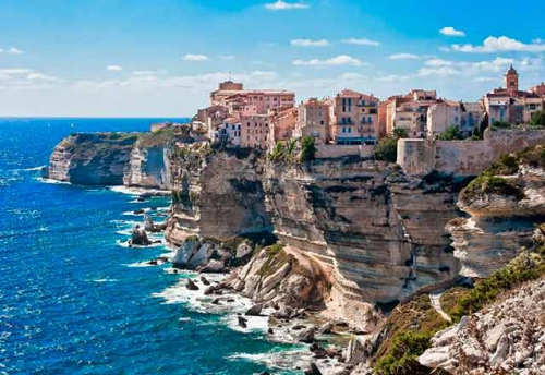 Navegar en Italia en los Acantilados de Elba