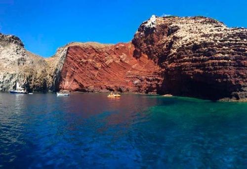 Navegar en Italia en Cala Rossa de Capraia
