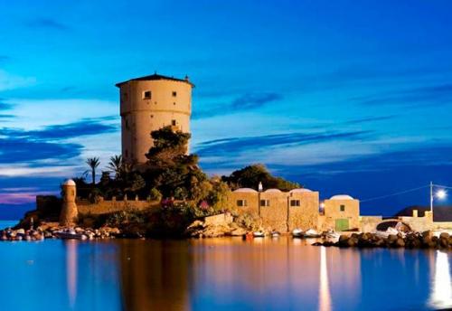 Navegar en Italia en la isla de Giannutri