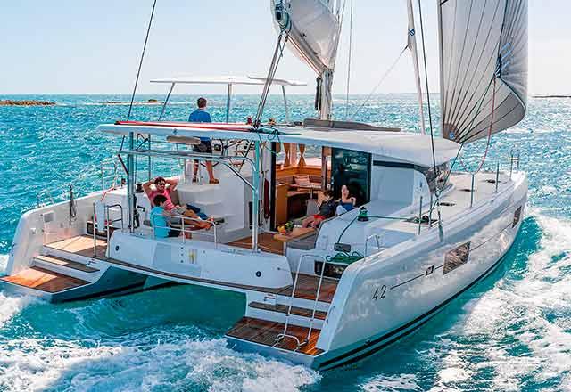 Alquiler de Catamaran Lagoon 42 en Denia