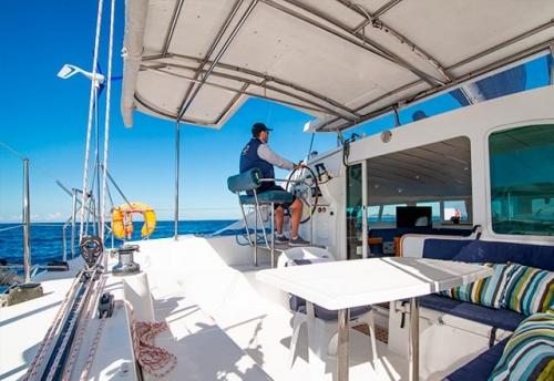 Bañera del Alquiler de Catamarán Lagoon 410 en Italia