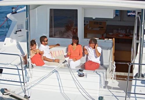 Bañera de Popa del Alquiler de Catamarán Lagoon 421 en Ibiza