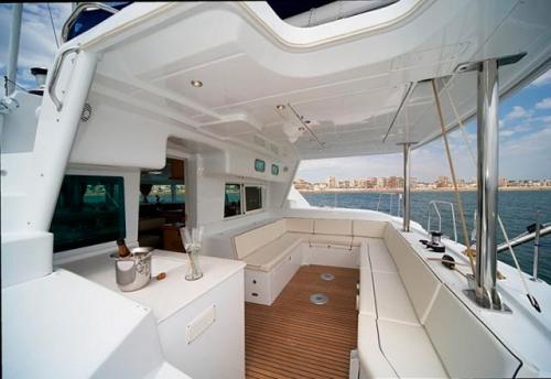 Bañera del Alquiler de Catamarán Lagoon 440 en Italia